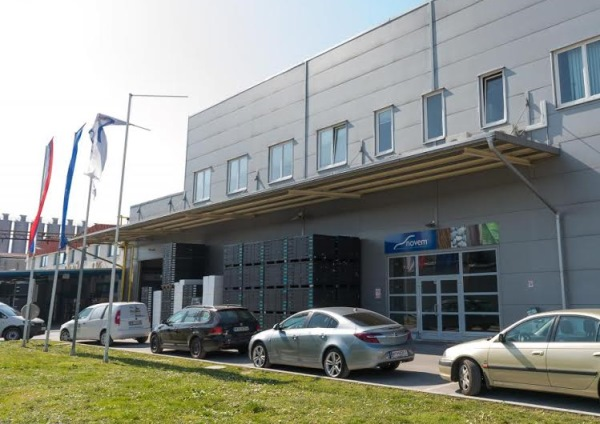 Novem car je najbolj i zaposlovalec v sloveniji radio for Novem car interior designs